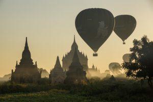 Luxusreisen im Südost Asien - Heißluftballons über Bagan
