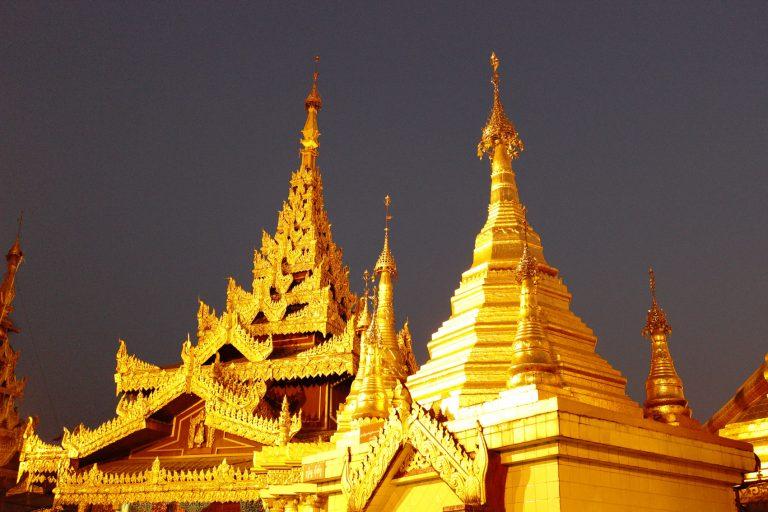 LOLEI TRAVEL – Schwedagon Pagoda in Yangon