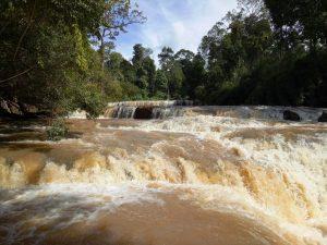 LOLEI TRAVEL - Der 7-Stufen-Wasserfall im Nordosten Kambodschas