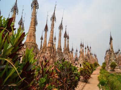 Myanmar - The Stupa's of Kakku